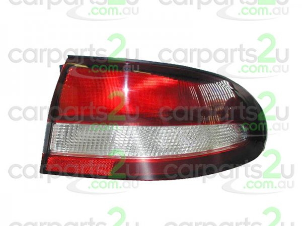 TO SUIT HOLDEN COMMODORE VT  TAIL LIGHT  RIGHT - RIGHT HAND SIDE TAIL LIGHT (RED/CLEAR TYPE) TO SUIT HOLDEN COMMODORE VT SERIES 2 MODELS BETWEEN 6/1999-9/2000